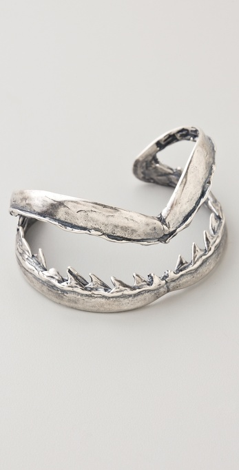 Shark bite cuff