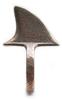 Shark fin ring