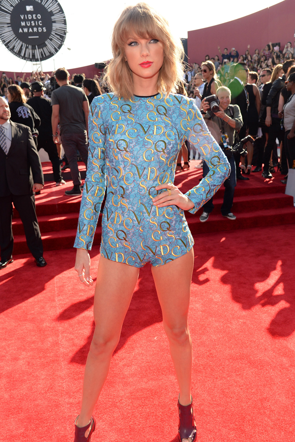 Taylor Swift goes her own way
