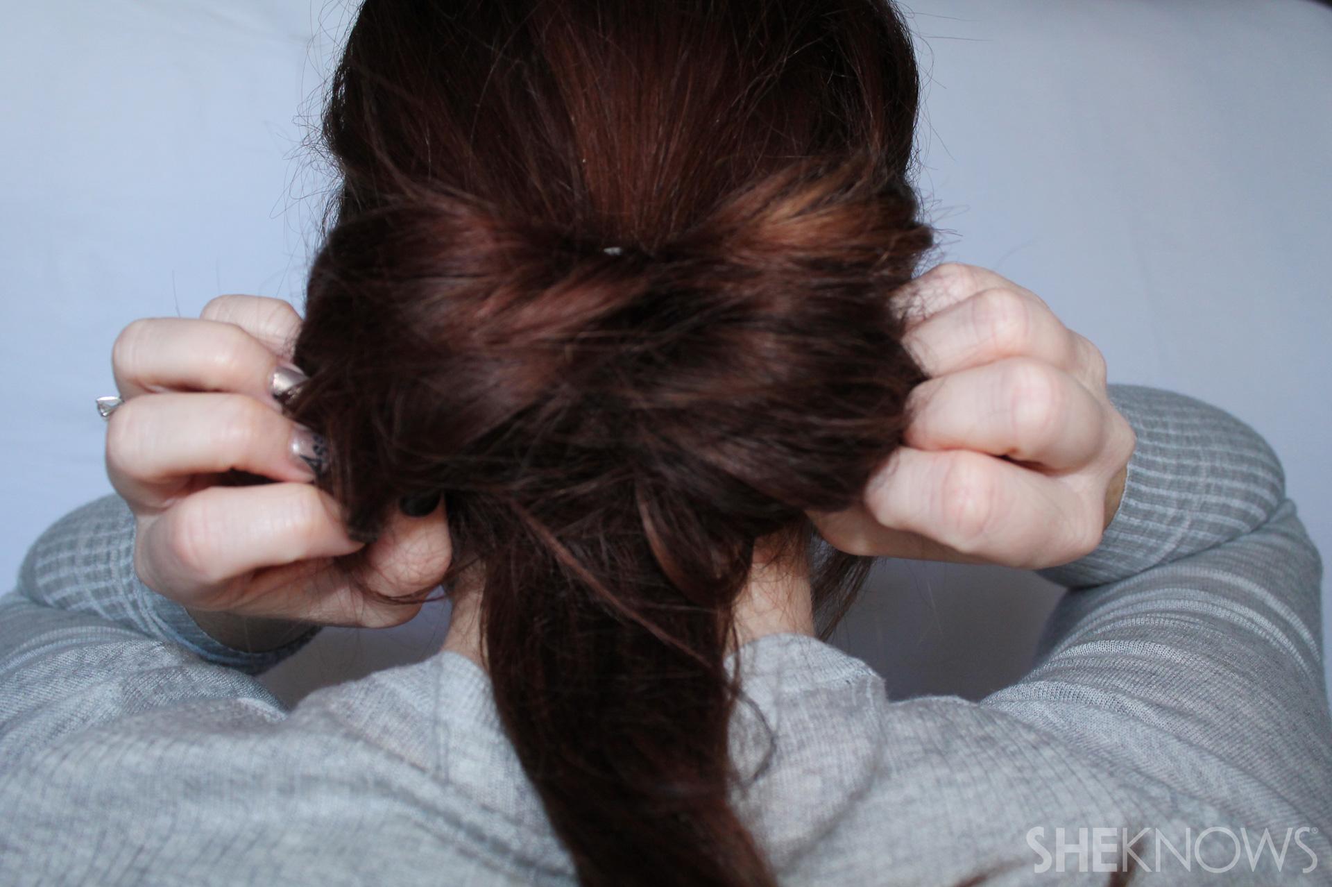 Hair bow | Sheknows.com - step 03