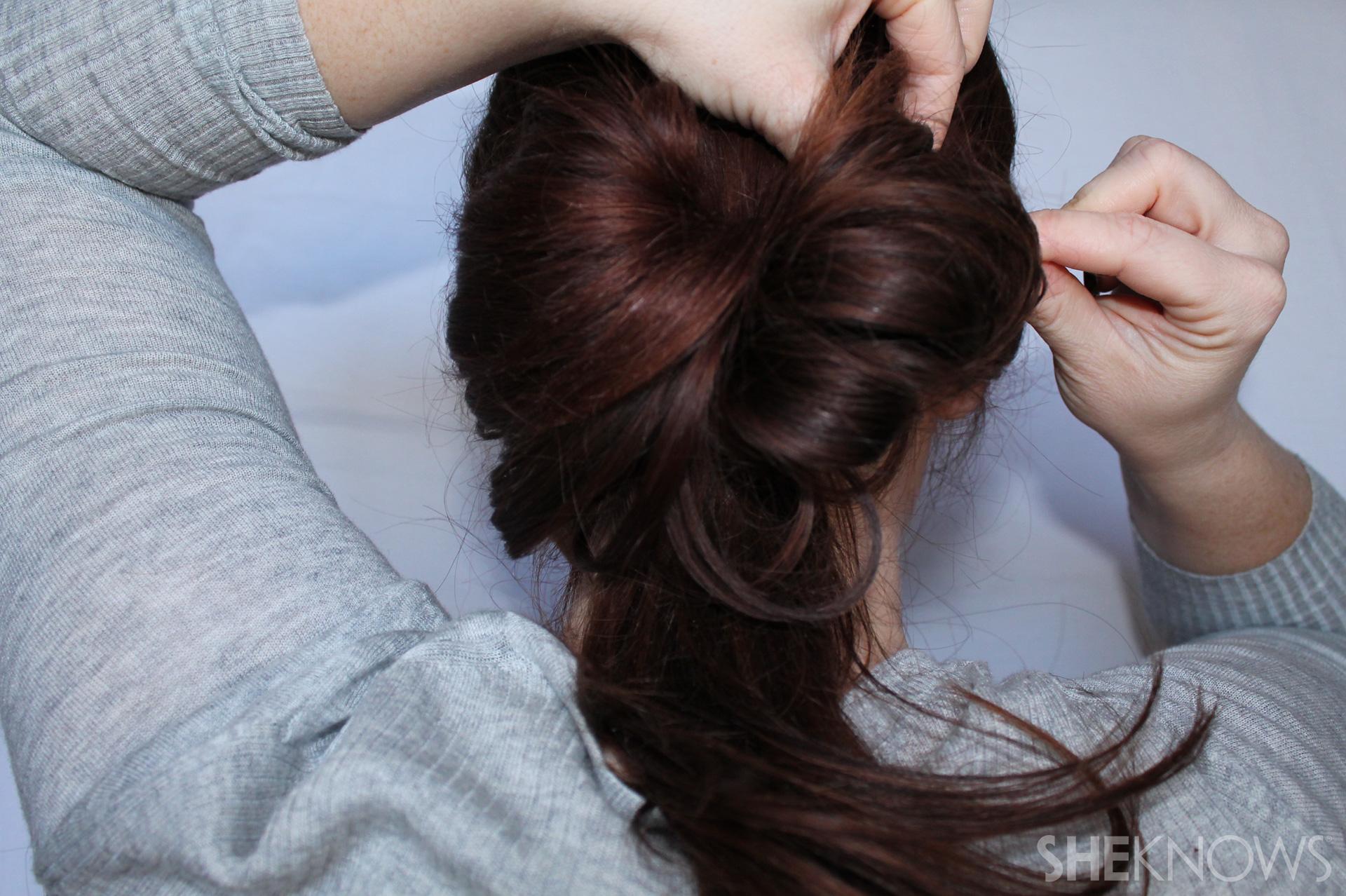 Hair bow | Sheknows.com - step 04