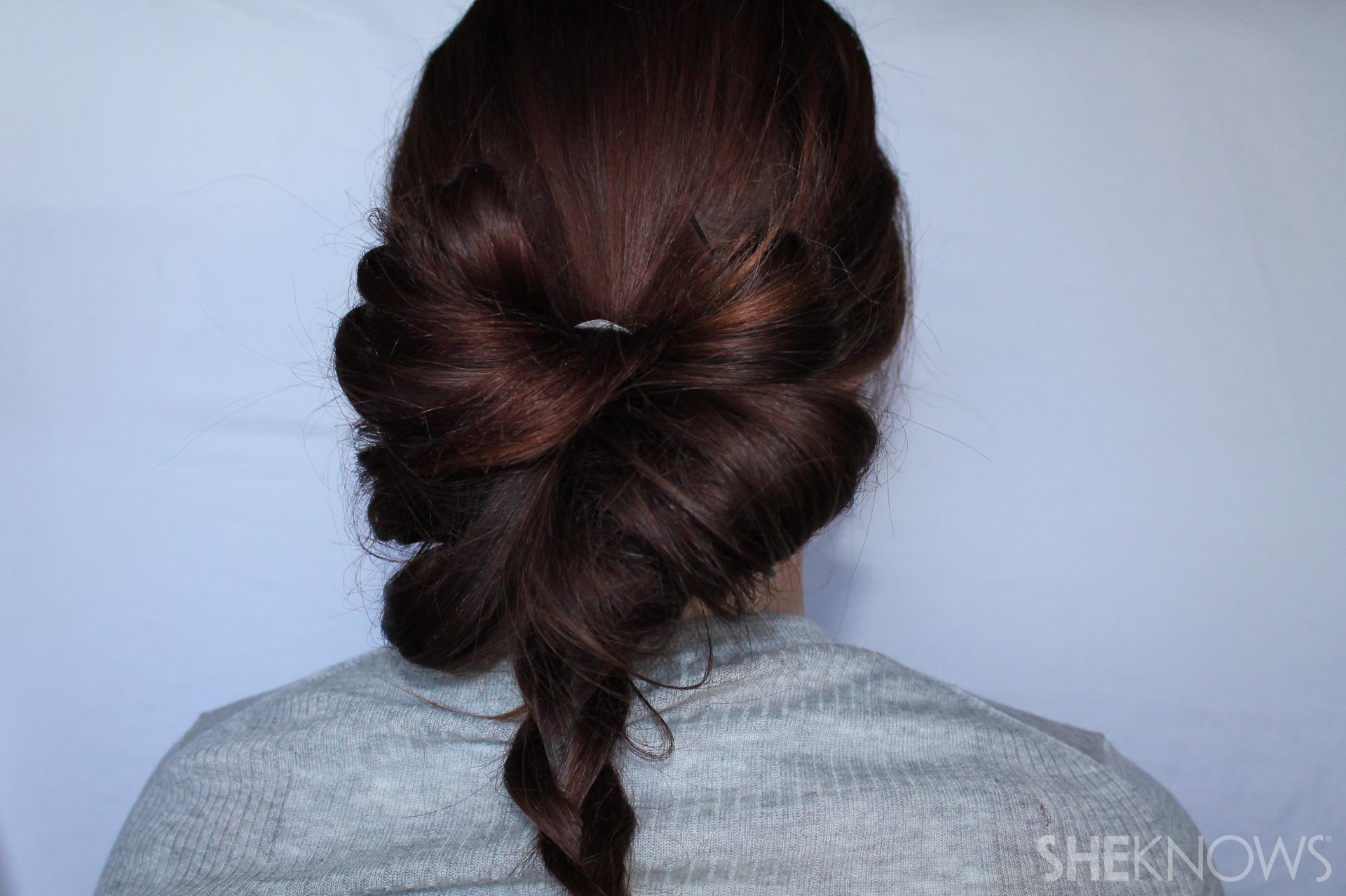 Hair bow | Sheknows.com - step 05
