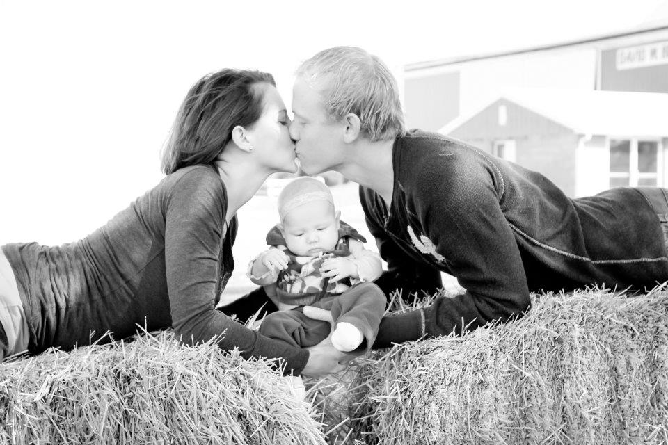Fall Baby Photo Shoot Ideas That Arent Completely Cheesy