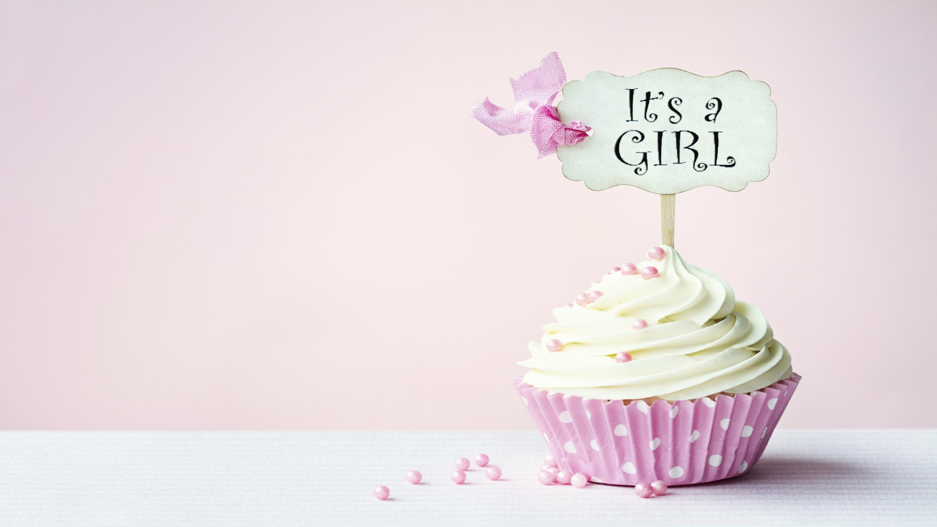 Cupcake with It's a Girl flag