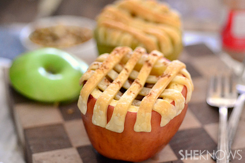 Portable pies (in apples)