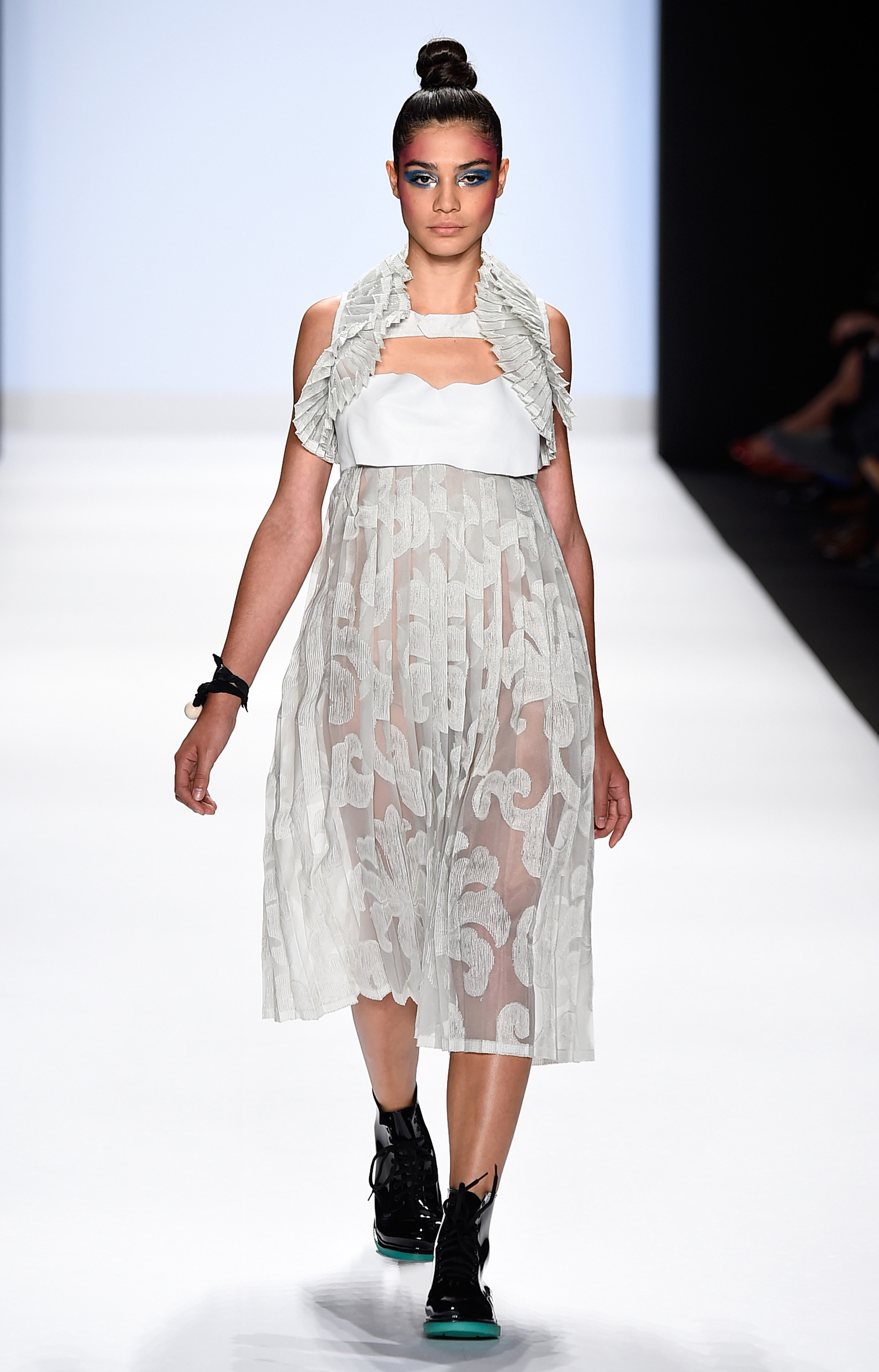 Project Runway's Fashion Week show 6