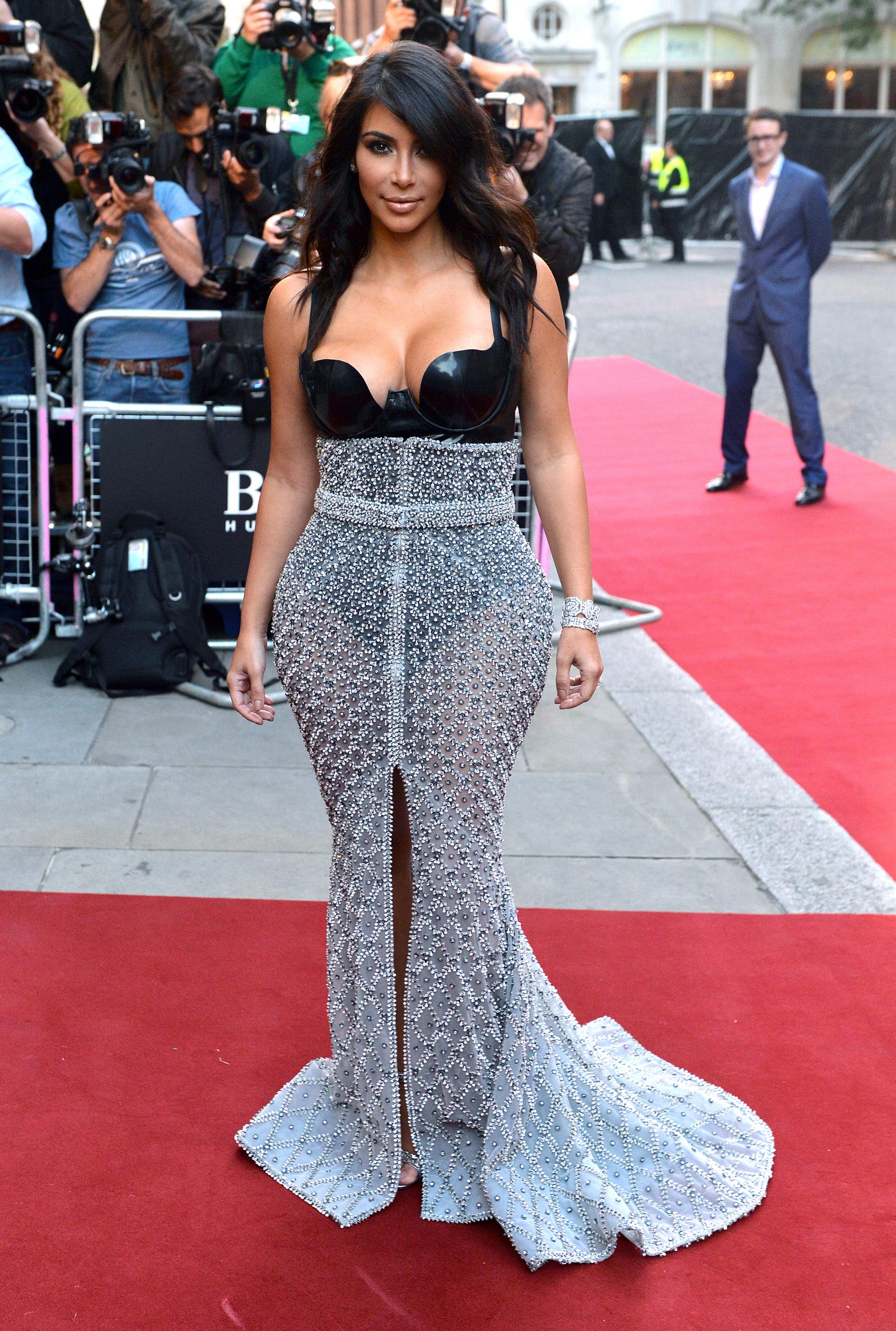Kim Kardashian in a Ralph & Russo gown 3