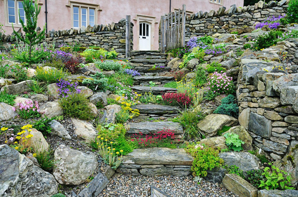 Here are 7 beautiful paths that will make you believe for Landscaping ideas stone path