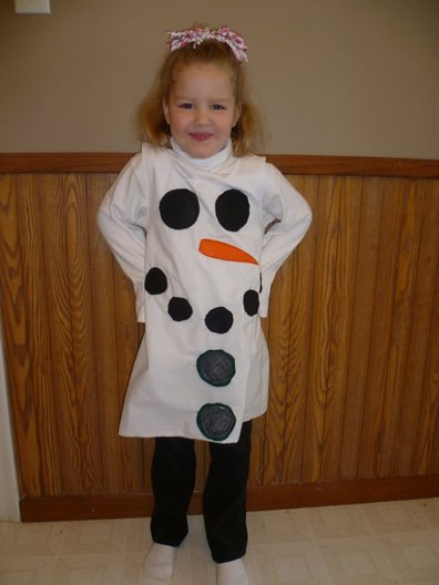 The title only includes me and my pregnant snowman costume (and should really read: snowwoman because clearly a snowman can't be pregnant) but Andy's costume was well, Andy made, and got a lot of compliments or uhhh reactions! Hideous Christmas