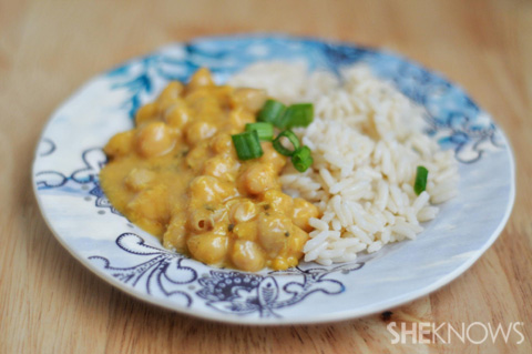 Curried chickpeas and coconut rice
