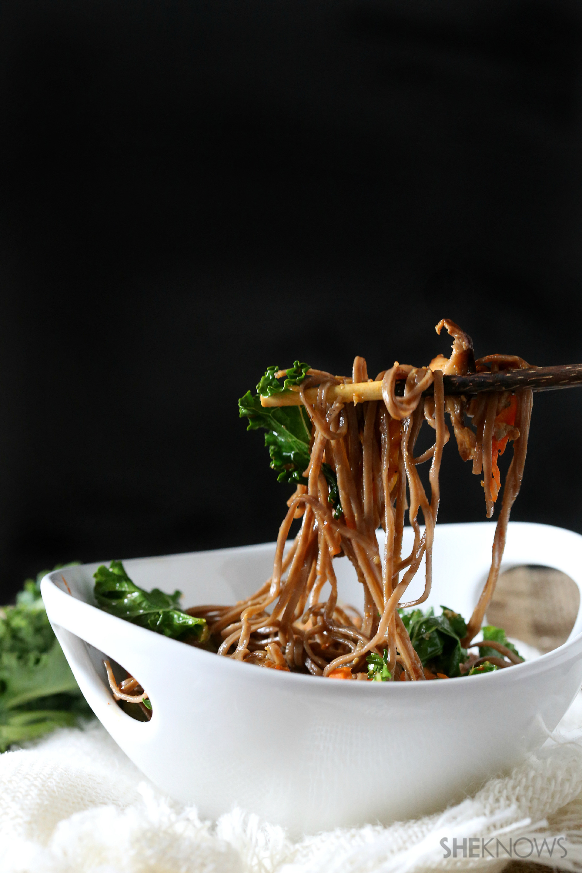 Spicy soba noodles with kale and shiitake mushrooms recipe