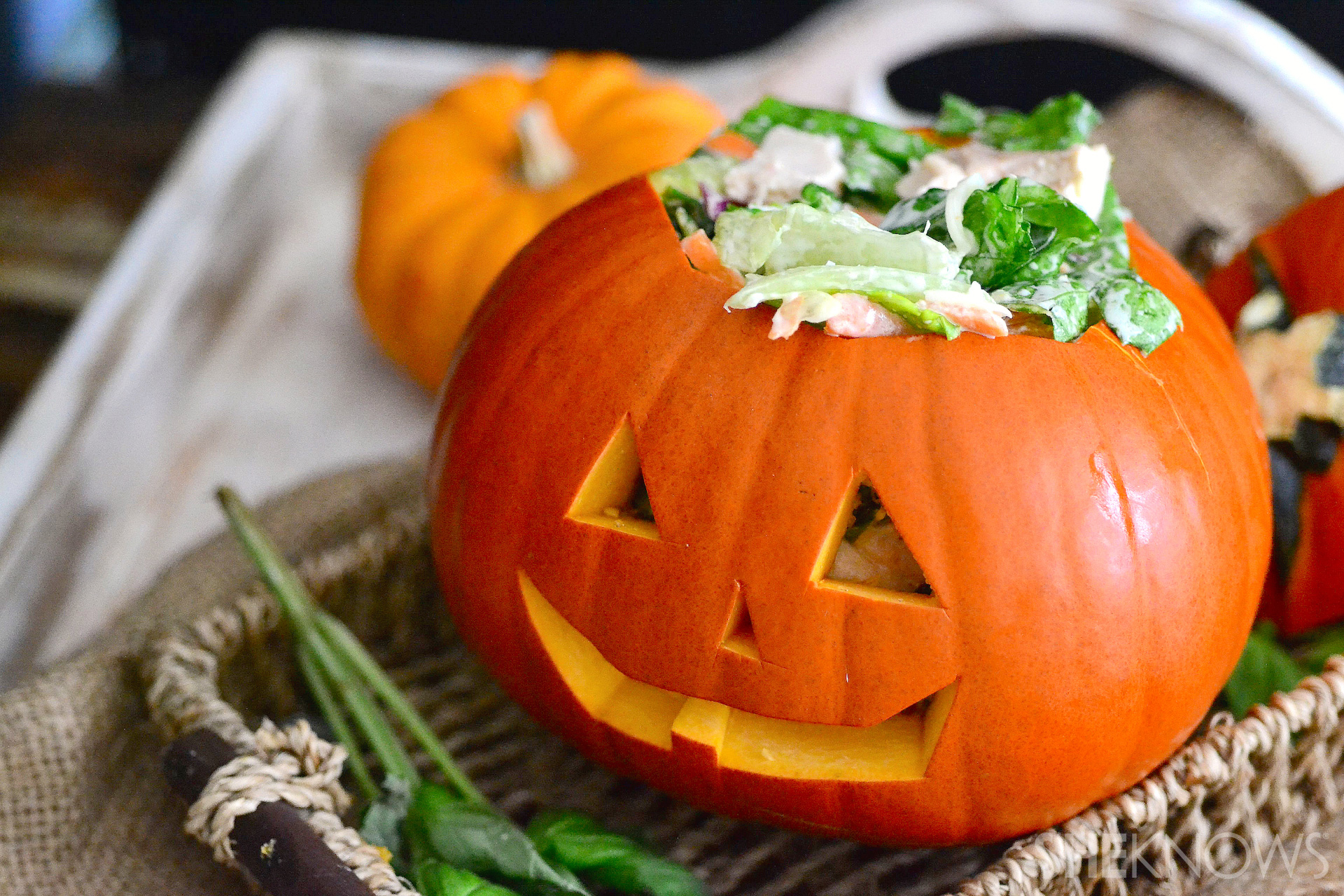 Chicken Caesar salad-stuffed pumpkin faces are the cutest dinner you ...