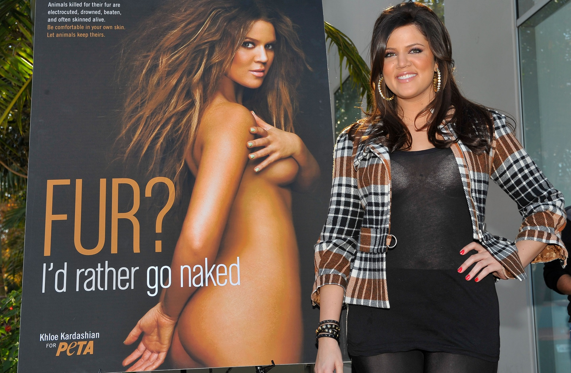 kardashians sisters in the nude