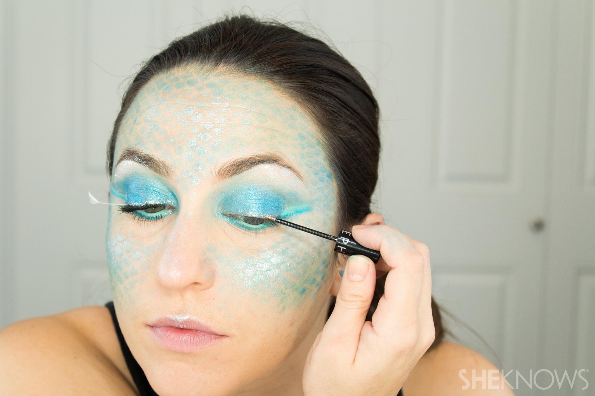 DIY Mermaid Halloween Makeup: Step 12