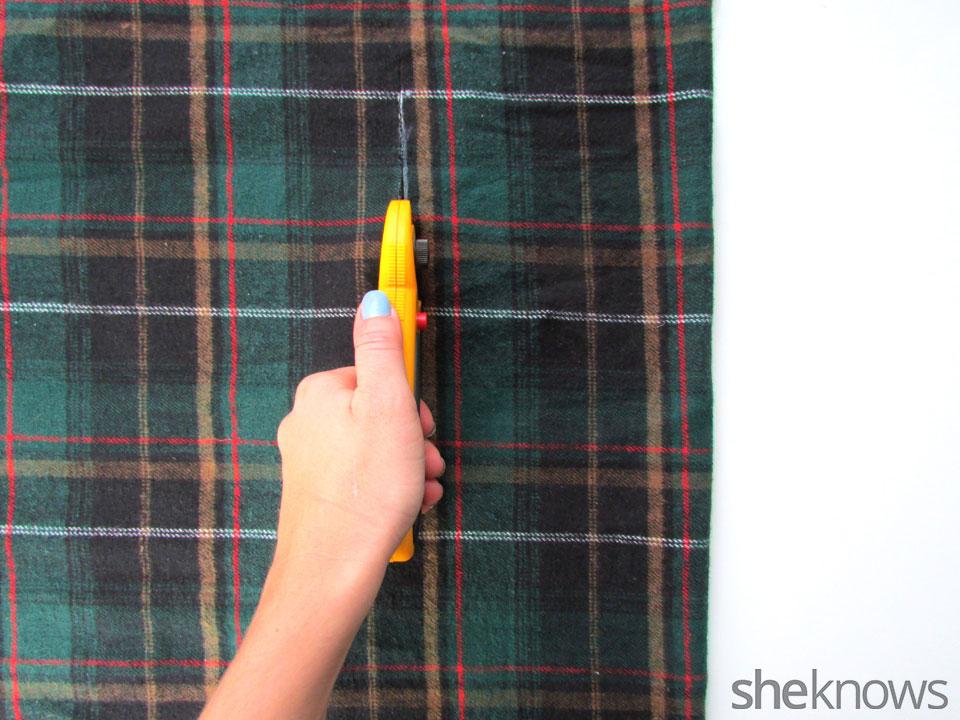 DIY Wrap best   Sheknows.com - cut fabric