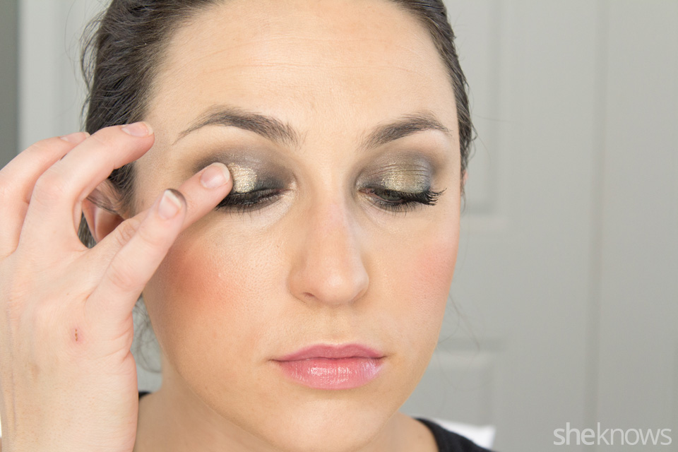 Fast and Festive Holiday Look: Step 7
