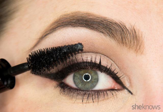 A glitter eye makeup tutorial: Step 10