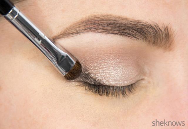 A glitter eye makeup tutorial: Step 3