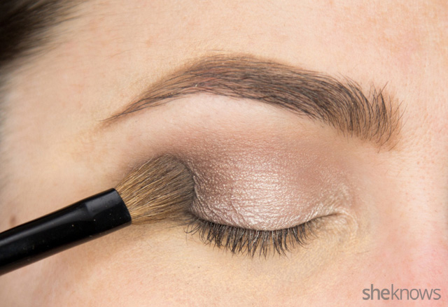A glitter eye makeup tutorial: Step 4
