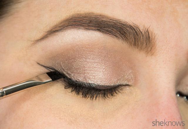 A glitter eye makeup tutorial: Step 8