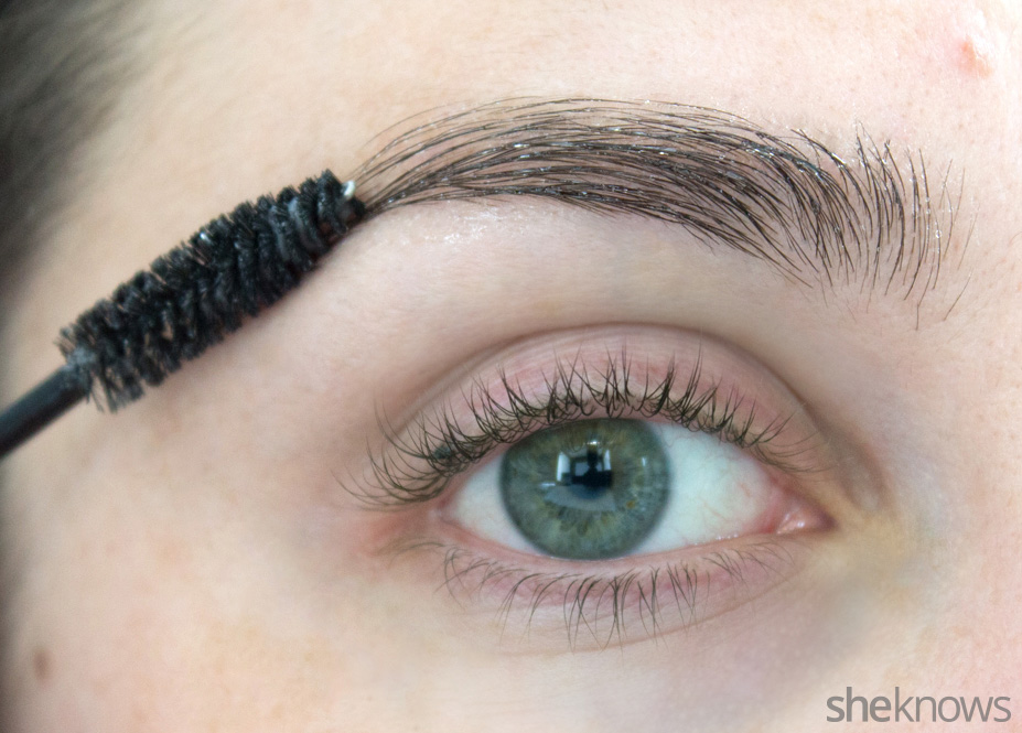 Easy Diy Serum To Grow Out Thin Eyebrows