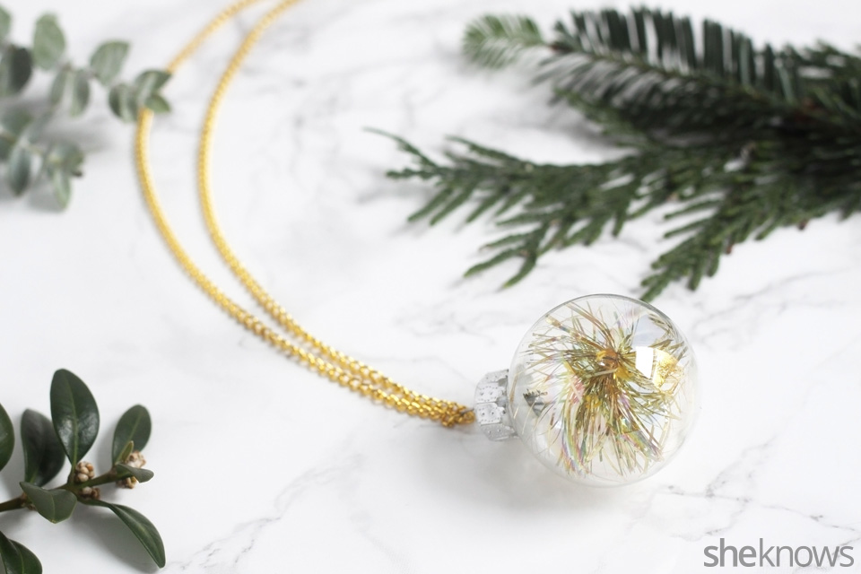 diy-mini-ornament-necklace-for-the-holidays: finished   Sheknows.com