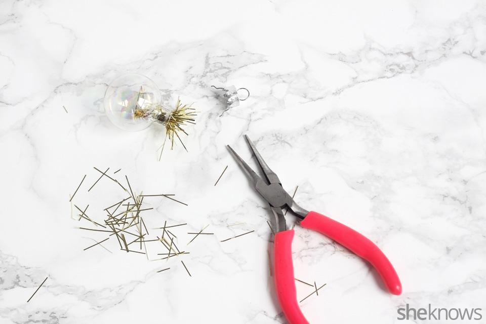 diy-mini-ornament-necklace-for-the-holidays: Step 2   Sheknows.com