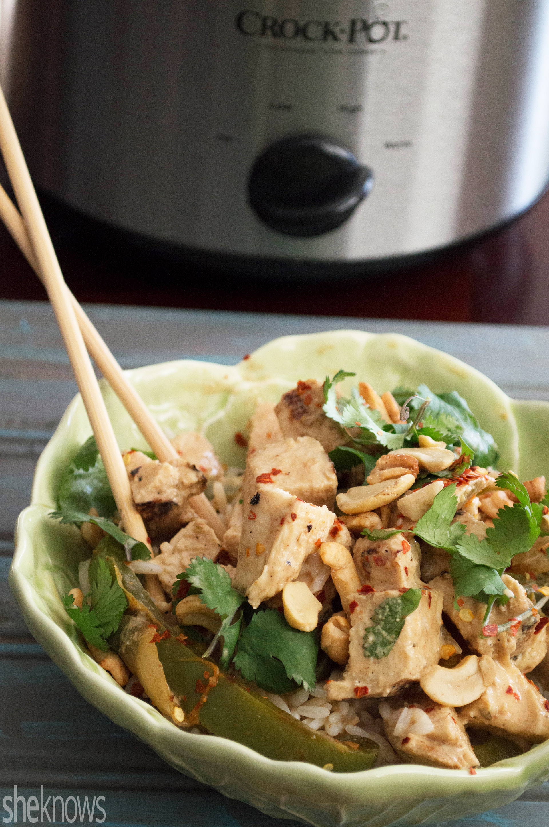 Slow Cooker Sunday: Easy slow cooker Thai peanut chicken