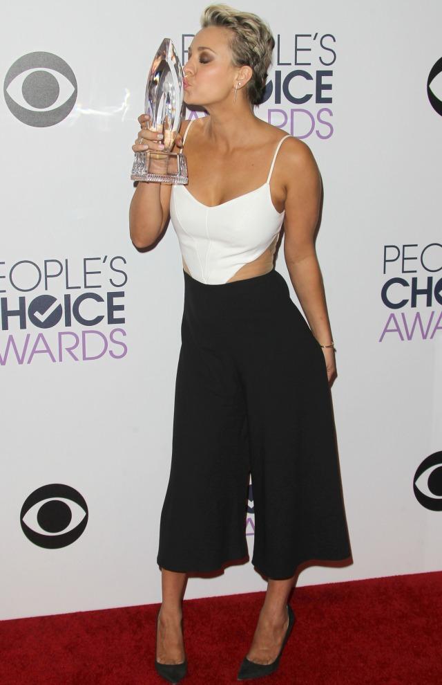 Kayley Cuoco at People's Choice Awards