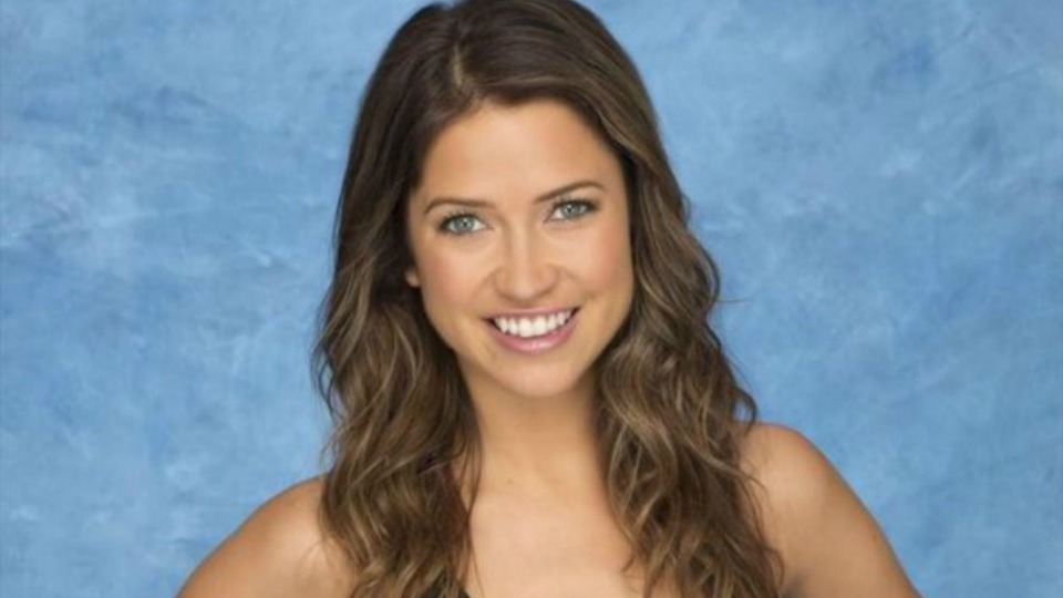 Bachelorette Front-Runner Dale Moss Family: Sisters, Mother