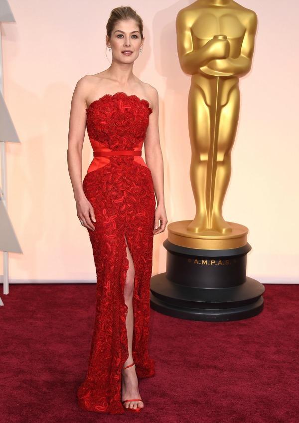 Rosamund Pike at the 2015 Oscars