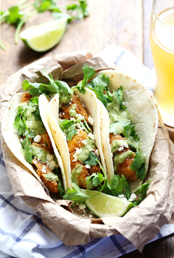 Taco tuesday 10 gorgeous fish tacos that will make you drool for Spicy fish taco sauce