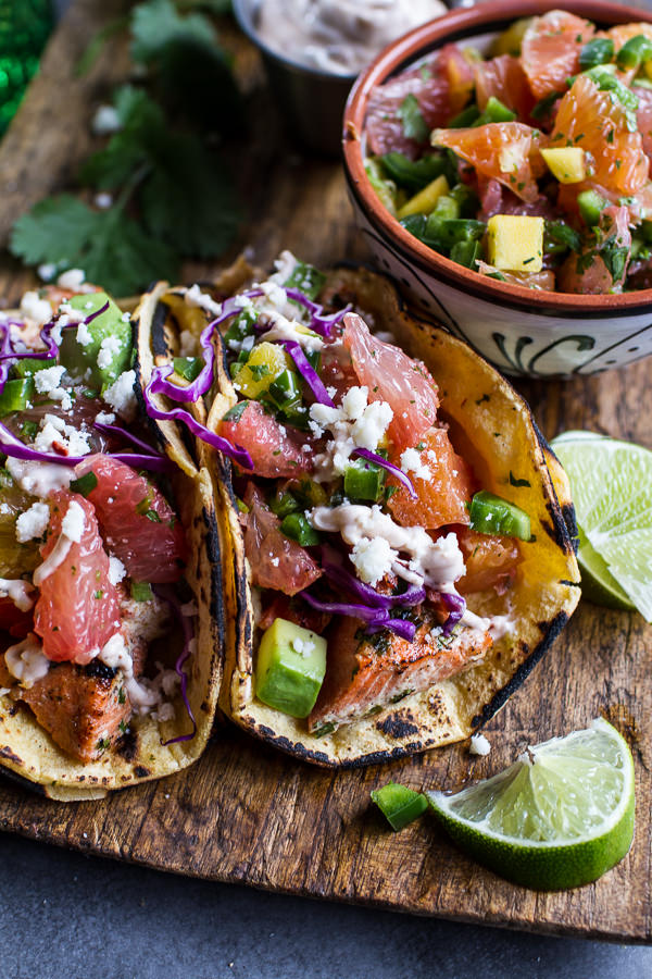 Taco tuesday 10 gorgeous fish tacos that will make you drool for Fish tacos with coleslaw