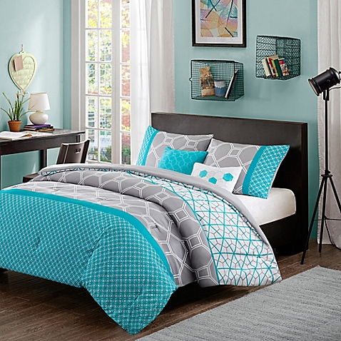 10 best places to buy stylish home decor without breaking for Decoration bed bath and beyond
