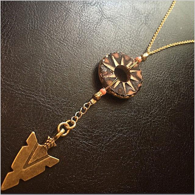 BurnedinBrooklyn Boho Style Wooden disk & Arrowhead 'Y' Necklace