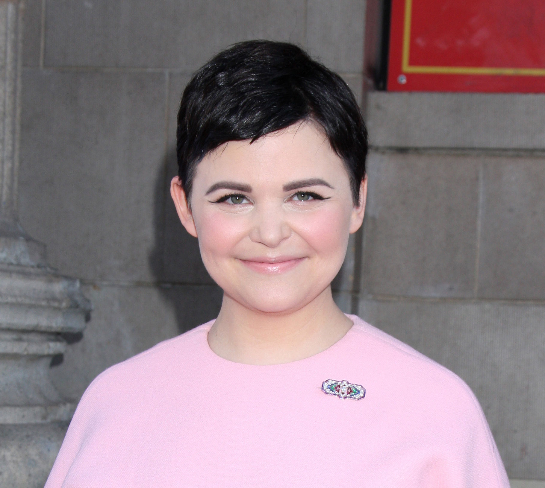 Ginnifer Goodwin with a round face shape