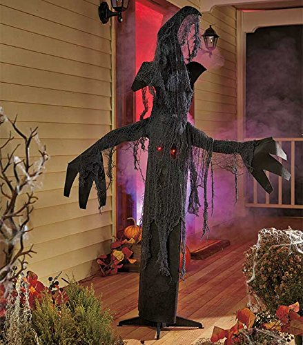 15 outdoor halloween decorations to make your yard for Animated halloween decoration