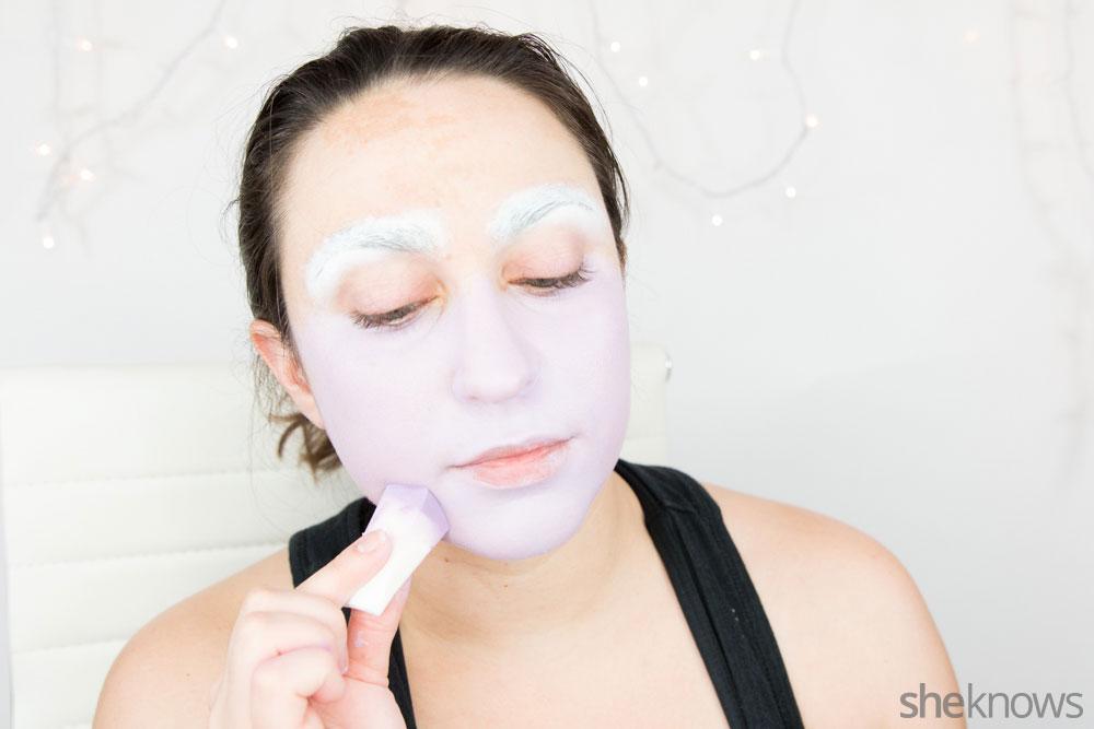 Ghoulish glam Halloween makeup tutorial: Step 4