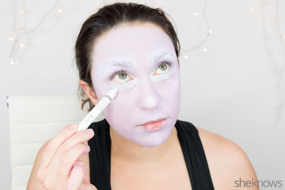Ghoulish glam Halloween makeup tutorial: Step 7