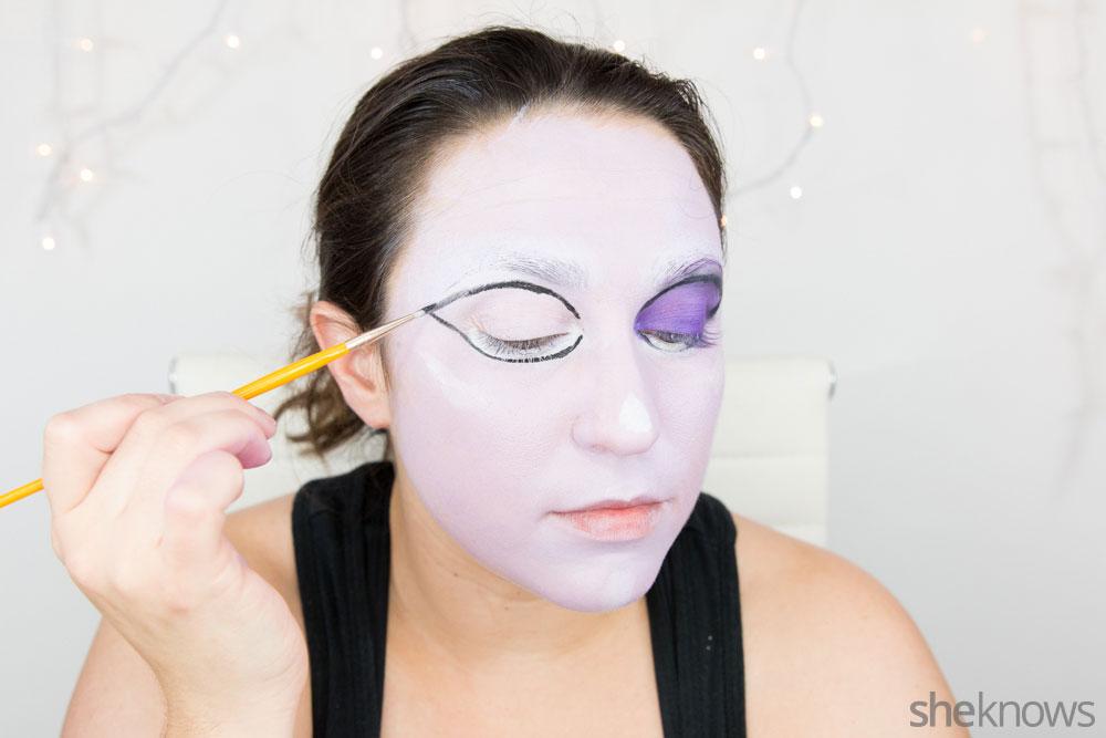 Ghoulish glam Halloween makeup tutorial: Step 8b