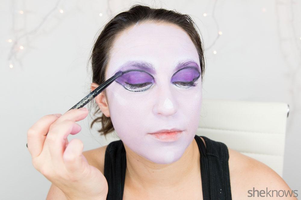 Ghoulish glam Halloween makeup tutorial: Step 9b