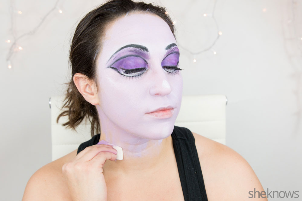 Ghoulish glam Halloween makeup tutorial: Step 13
