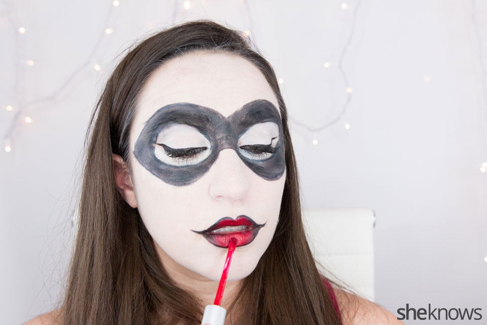 Harley Quinn makeup tutorial: Step 12