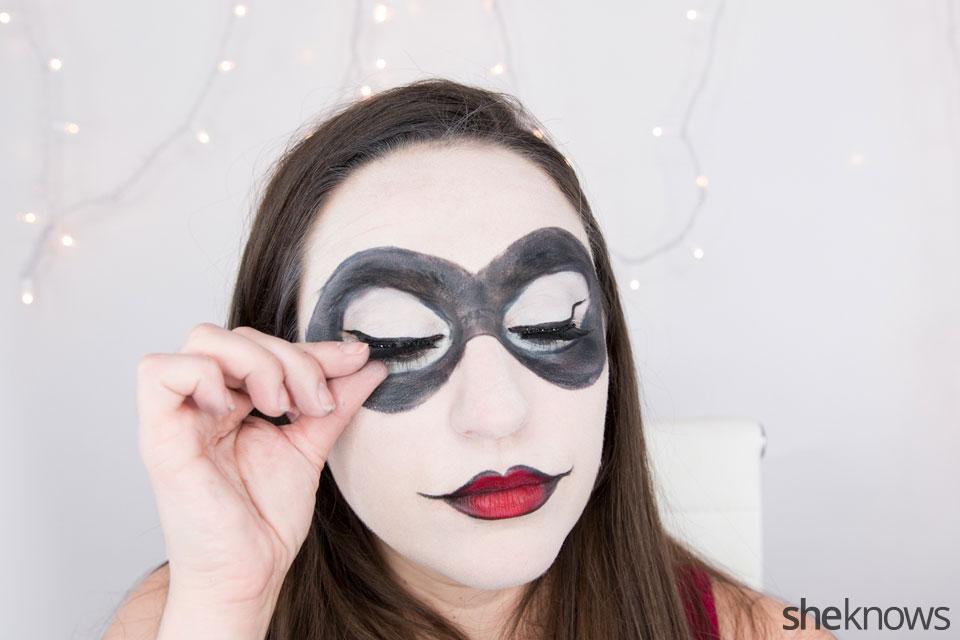 Harley Quinn makeup tutorial: Step 14