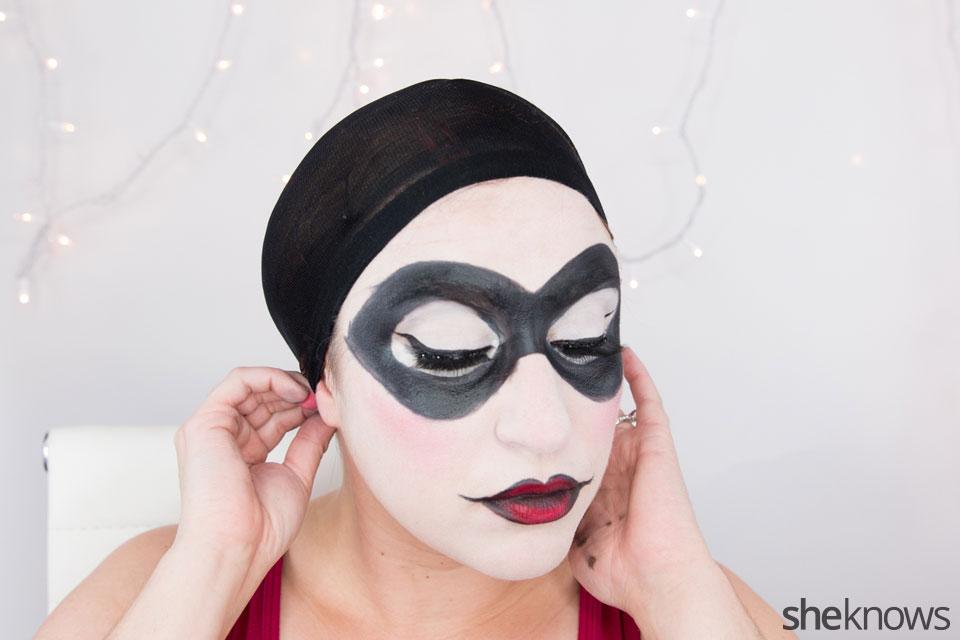 Harley Quinn makeup tutorial: Step 16