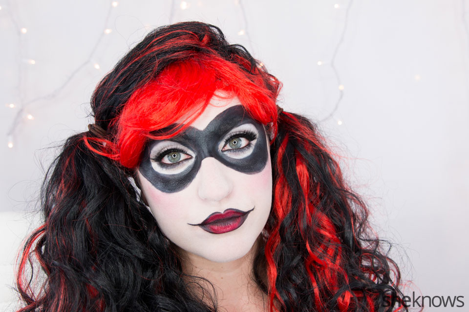 Harley Quinn makeup tutorial: Step 18