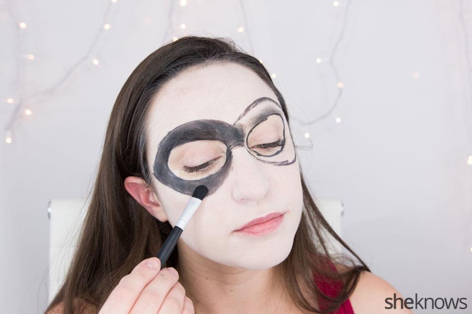 Harley Quinn makeup tutorial: Step 4