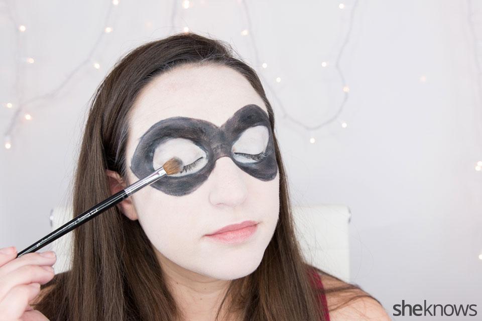 Harley Quinn makeup tutorial: Step 7