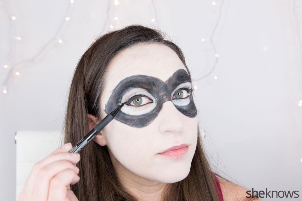 Harley Quinn makeup tutorial: Step 8