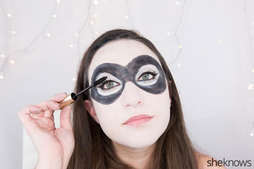 Harley Quinn makeup tutorial: Step 9